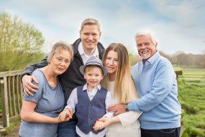 Familienfotos mit Oma und Opa im Fotostudio Bergheim