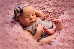 Neugeborene Baby Bilder in Bergheim Fotostudio