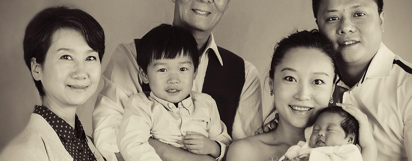 Neugeborenen Fotoshooting - Drei Generationen